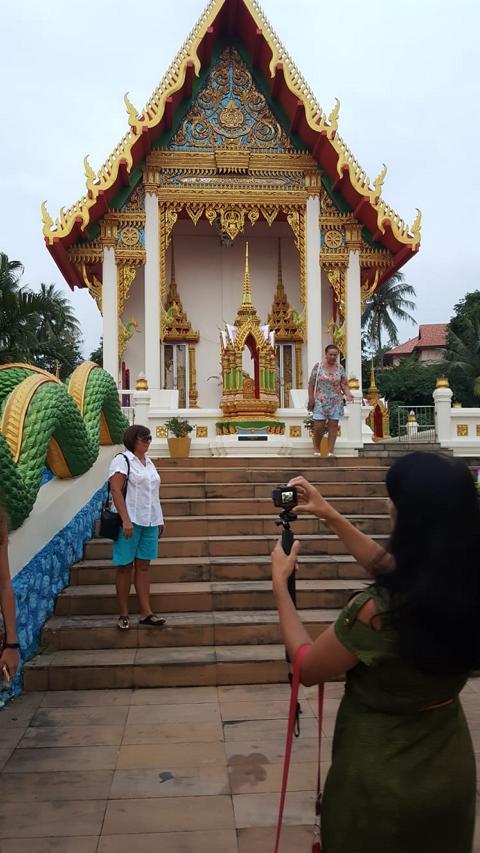 Karon Beach Tempel market