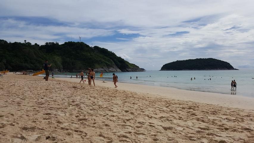Naiharn Beach
