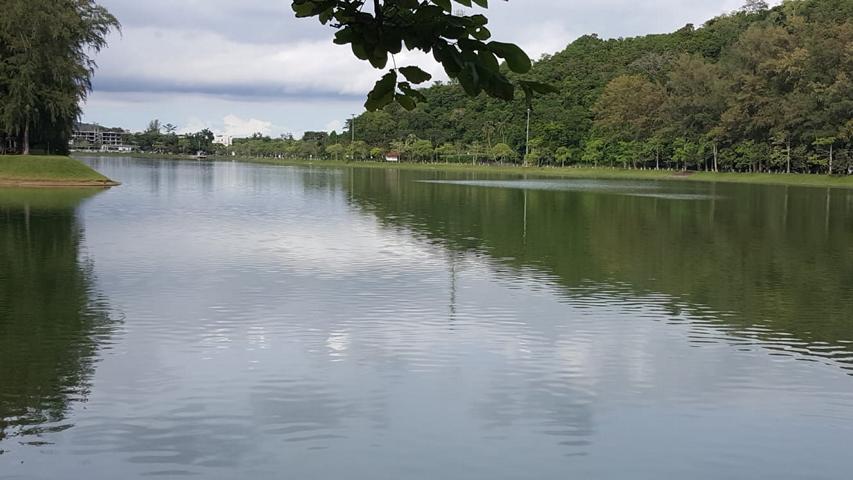 Naiharn Beach Lake
